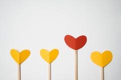 Pappers- hjärta som göras med händer Royaltyfri Fotografi