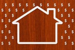 Pappers- hus i regn av dollar, pengarbegrepp Abstrakt begreppsmässig bild Royaltyfria Bilder