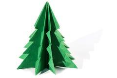 Pappers- julgran, origami som isoleras på vit bakgrund Royaltyfri Bild