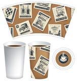Pappers- kopp för varm drink med portostämplar royaltyfri illustrationer