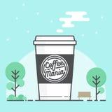 Pappers- kopp för kaffe med logo kaffe går till Arkivfoto