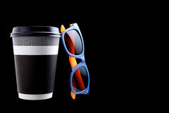Pappers- kopp kaffe eller te arkivbild