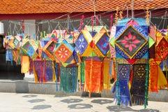 Pappers- lyktor i den nordliga templet, Thailand Fotografering för Bildbyråer