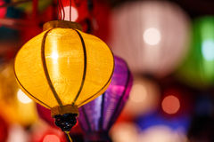 Pappers- lyktor på gatorna av Hoi An Royaltyfria Foton