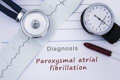 Pappers- medicinsk frigörarform med Paroxysmal atrial fibrillation för diagnos från sjukdomar för hjärt- arrhythmia för kategori  fotografering för bildbyråer