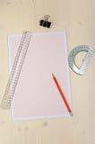 Pappers- och tekniska teckningsinstrument för millimeter Royaltyfri Bild