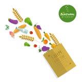 Pappers- packe med ny sund jordbruksprodukter Arkivbilder