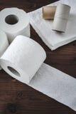 Pappers- toalettrullar Royaltyfri Fotografi