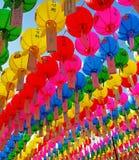 Pappersballonger av olika färger Royaltyfri Bild