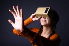 Pappvirtuell verklighet Fotografering för Bildbyråer