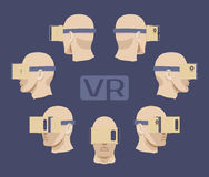 Pappvirtuell verklighethörlurar med mikrofon på männen Arkivbild