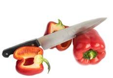 Paprica e coltello Immagini Stock Libere da Diritti