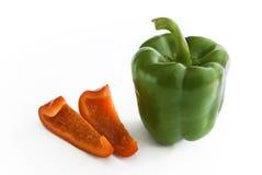 Paprica verde con le fette rosse Fotografia Stock