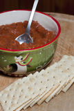Paprika und Cracker Stockfoto