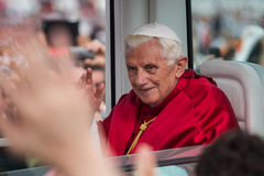 Papst in Bresso 2 stockfotos