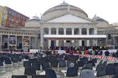 Papst Francis in Neapel Marktplatz Plebiscito nach der Papstmasse Lizenzfreie Stockbilder