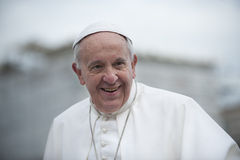 Papst Francis segnen Kind stockfotografie
