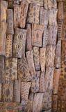 Papua-Neu-Guinea shileds gehangen vom Dach Lizenzfreie Stockfotos