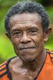 Papuan印度尼西亚弓猎人画象 免版税库存照片