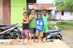 Papuankinder in Manokwari Lizenzfreie Stockfotos