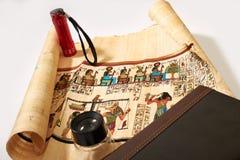 Papyrus égyptien sur un fond blanc photographie stock