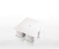 Paquet blanc de yaourt Photo stock