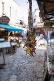 Paquet d'accrocher multicolore de seastars d'étoiles de mer de souvenire photographie stock libre de droits