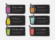 Paquet de calibres ou de cartes de bannière avec des smoothies, des jus, l'eau de detox, des cocktails en verres, des bouteilles, illustration libre de droits