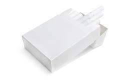 Paquet de cigarettes blanc | D'isolement Photographie stock