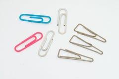 Paquet de trombones colorés Image libre de droits