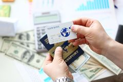 Paquet masculin d'op?rations bancaires de passeport de participation de bras des USA images libres de droits