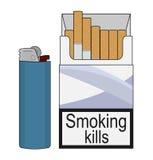 Paquete abierto de los cigarrillos con el encendedor de gas color Imagen de archivo