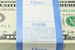 Paquete de notas de 1 dólar Foto de archivo libre de regalías