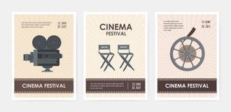 Paquete de plantillas verticales del aviador o del cartel con la cámara retra, sillas del director y del productor, rollo de pelí libre illustration