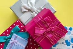 Paquete del regalo imagenes de archivo