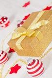 Paquete del regalo de la Navidad Imagen de archivo