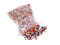 Paquete plástico de los gránulos del polímero Fotografía de archivo libre de regalías