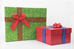 Paquetes coloridos del regalo, Año Nuevo, día del ` s de la tarjeta del día de San Valentín fotografía de archivo libre de regalías