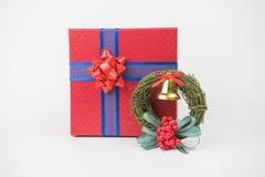Paquetes coloridos del regalo, Año Nuevo, día del ` s de la tarjeta del día de San Valentín imagenes de archivo