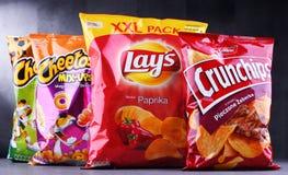 Paquetes de marcas populares de snacks fotografía de archivo