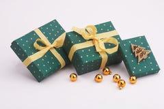 Paquetes verdes Foto de archivo libre de regalías