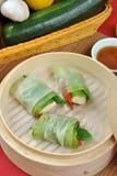 Paquets asiatiques de poulet et de légume de type Photos libres de droits