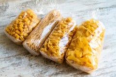 Paquets de fond de pâtes d'oeufs Photographie stock libre de droits