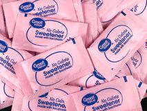 Paquets de grande valeur aucun édulcorant de calorie avec de la saccharine images stock