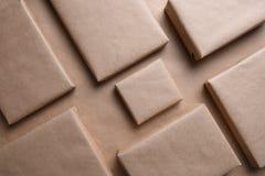 Paquets simples de Brown Photographie stock libre de droits
