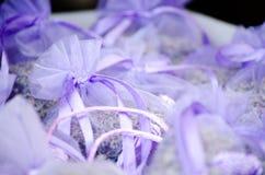 Paquets violets avec la lavande Photo libre de droits