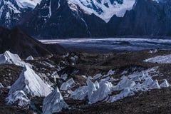 Paquistão Karakoram K2 que trekking o por do sol do Mt Trango fotos de stock