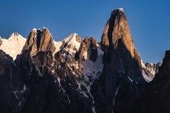 Paquistão Karakoram K2 que trekking o por do sol do Mt Trango fotos de stock royalty free