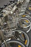París, alquiler público de la bicicleta Foto de archivo libre de regalías