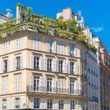 París, apartamentos hermosos imagen de archivo libre de regalías